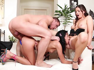 Teen Steve Q is one oral slut who gives guys thick meat stick a try