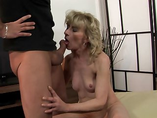 Mature has vigorous anal sex