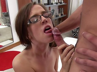 Brunette asks her man to stick his meaty dick in her mouth