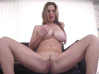 Milf Kathy Anderson spreads her legs on cam with no shame