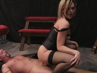 Jack Vegas drills fuck hungry Baily Blue's beautiful face with his rod