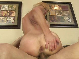 Blonde enjoys another hardcore anal session