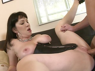 Brunette Rayveness has a great time fucking