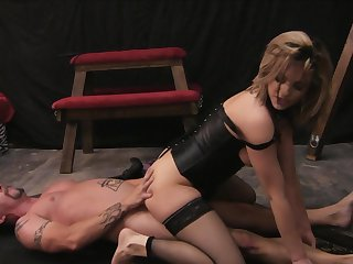 Blonde Baily Blue gets her mouth destroyed by Jack Vegas's cock