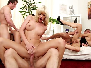 Blonde Bella Morgan finds him handsome and takes his hard worm in the bottom