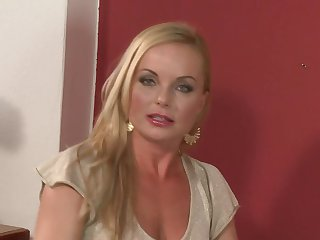Teen Silvia Saint gets satisfaction in solo action