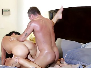 Brunette Veronica Avluv just feels intense sexual desire and fucks Marcus London like mad