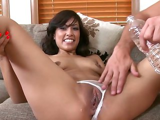 Brunette chachita Jmac satisfies dudes sexual desires and then gets her pretty face painted with sticky nectar