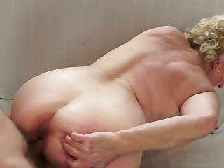 Blonde with massive jugs knows no limits when it comes to eating her fuck buddys meat pole