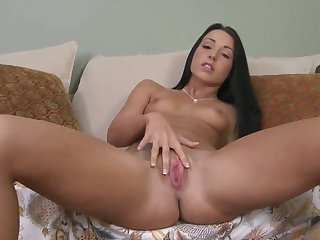 Piercings Lola Foxx plays with dildo
