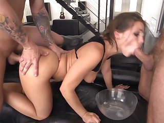 Tony Ribas is horny as fuck with Mark Woods love wand deep inside her back swing after she gives suck job