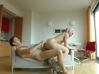 Blonde Sweet Cat and her hard cocked fuck buddy Rocco Siffredi both enjoy blowjob session