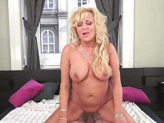 Hot sex with mature blonde Magdi