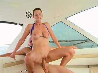 Hot sex in the sea with busty Alora Jaymes