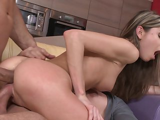 Double penetration with super skinny Doris Ivy
