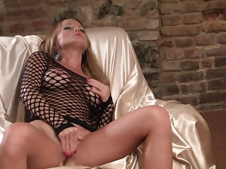 Fabulously hot stunner Silvia Saint needs nothing but a sex toy in her fuck hole to be satisfied