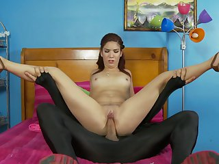 Teen senora does lewd things and then gets her pretty face jizz covered